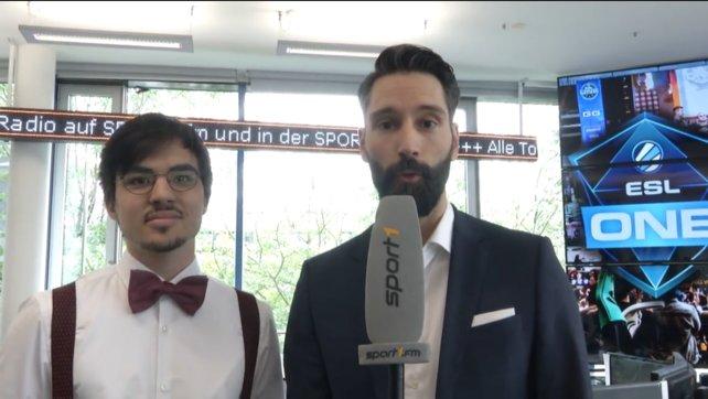 "Das Kommentatoren Duo: Dota-Experte Christian ""Epi"" Czech (links) und Ex-Giga-Moderator Tim Feldner."