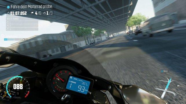 Am Steuer eines Zweirads gibt es schnell einen Geschwindigkeitsrausch.