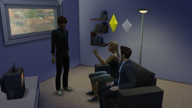Die Sims können endlich mehrere Dinge gleichzeitig tun, wie fernsehen und dabei wild in Gesprächen gestikulieren.