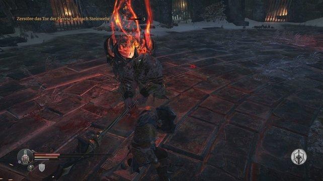 Auf dem Platz der Wwigen Flamme trefft ihr das erste Mal auf einen Tyrannen.