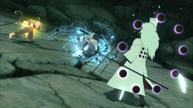 Sasuke kehrt zurück, um Naruto im Kampf gegen Madara Uchiha (Six Paths) zu unterstützen.