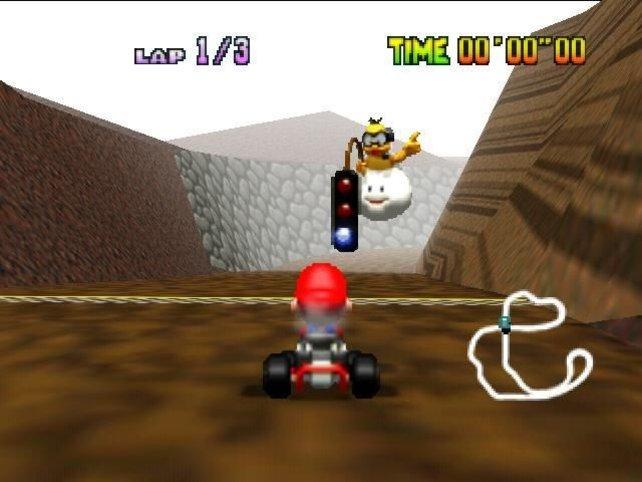 Mario Kart 64 führt den freischaltbaren Spiegel-Modus ein, in dem ihr alle Kurse seitenverkehrt wiederholen könnt.