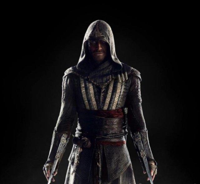 So sieht Schauspieler Michael Fassbender als Assassine Aguilar aus.