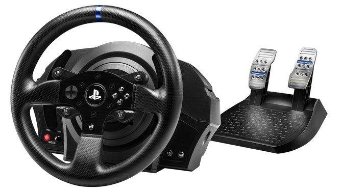 Thrustmaster liefert mit dem T300 RS ein standesgemäßes Lenkrad für PS4 und PS3.
