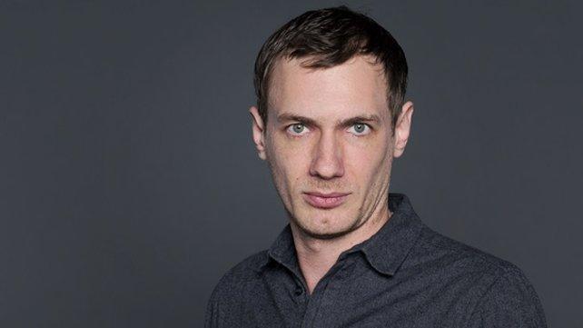 Der Journalist Christian Schiffer.  Bild: Markus Konvalin/BR