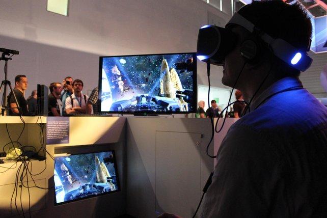 Redakteur Thomas in den Untiefen des virtuellen Weltraums.