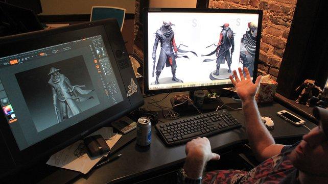 Beim Studiorundgang zeigen die Macher stolz ihre Werke und die Liebe zum Detail.