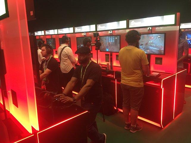 Leuchtende Anspielstationen sucht ihr auf dem gamescom congress vergeblich, hier geht es um den Austausch zwischen der Spiele-Branche und Interessierten aus Kultur, Wirtschaft, Politik und Wissenschaft.