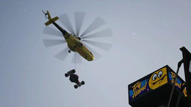 In Trackmania Turbo starten einige Rennen aus der Luft.