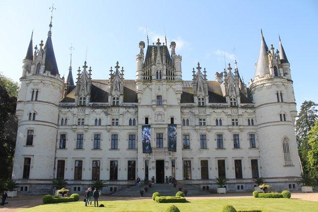 Das Bild könnte auch direkt aus Ishgard sein. Die Vorstellung der Heavensward-Erweiterung findet stilecht in einem französischen Schloss statt.