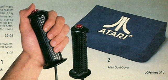 Die Art der Steuerung ist gar nicht so neu, wie Nintendo uns verkaufen will. Le Stick von Atari ist 1981 (ganze 25 Jahre vor der Wii) das erste Spiel mit Bewegungssteuerung.