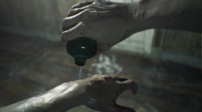 Kräuter könnt ihr in Resident Evil 7 nicht als Heilmittel nutzen – ihr müsst sie vorher mit Chemikalien kombinieren.