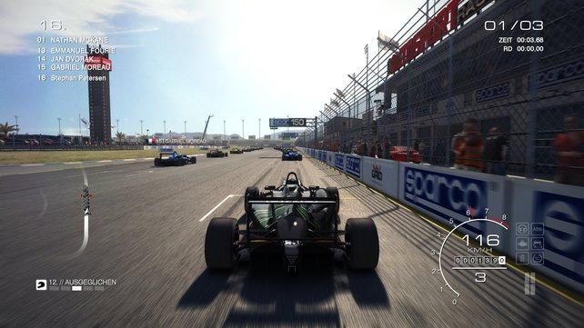 """Beim Open Wheel fahrt in """"Formel 3""""-Autos."""