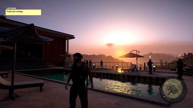 Mit den Amigos bei Sonnenuntergang am Pool chillen - herrlich!