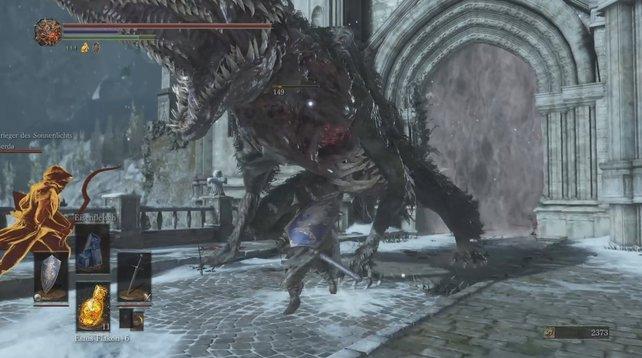 Diese Bestie erschwert euch den Weg ins Irithyll des Nordwindtals. Am Bauch ist sie anfällig!
