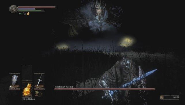 Klar erkennbare Schwachstelle: Zerstört die leuchtenden Armreife, um Hochfürst Wolnir zu töten.