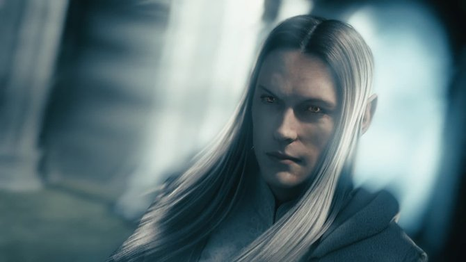 Sauron will Celebrimbor für seine Sache gewinnen und täuscht ihn in Elbengestalt. Der geneigte Zuschauer erkennt Sauron allerdings an den Augen.