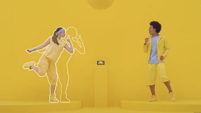 Bei diesem Tanzspiel kopiert ihr die Posen eures Gegenübers im Takt der Musik.