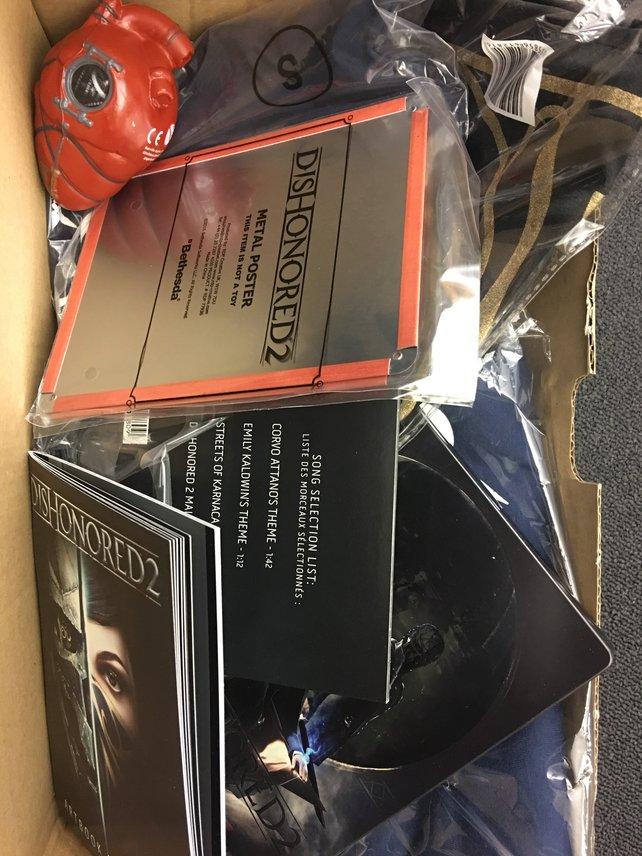 Werbeartikel zu Dishonored 2: Das Zeug muss weg. Macht mit, wenn ihr es entsorgen möchtet!