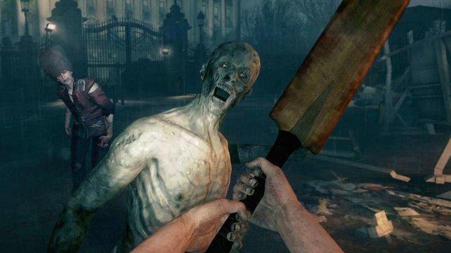 Der Zombie starrt euch an - schon paddelt ihr ihm eins.