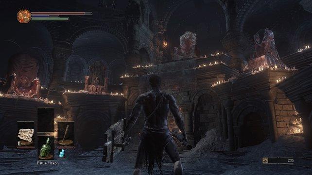 Auf dem zweiten Thron von links findet ihr Ludleth im Feuerband-Schrein.