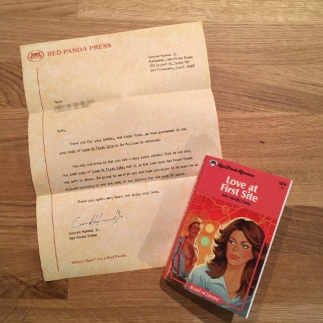 Ein Brief des fiktiven Verlages Red Panda Press und das Buch - eine fast schon normale Bestellung.