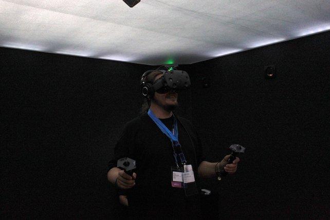 Onkel Jo mit HTC Vive - ein beeindruckendes 3D-Erlebnis.