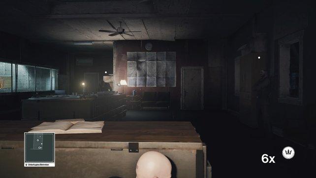 Versteckt euch hinter dem Schreibtisch