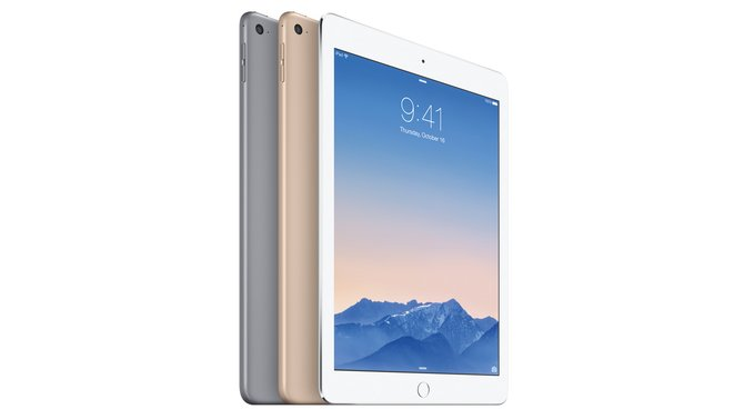 Das neue iPad Air 2 wirkt äußerlich kaum verändert zum Vorgänger. Im Inneren sorgt der A8X-Prozessor aber für mehr Power.