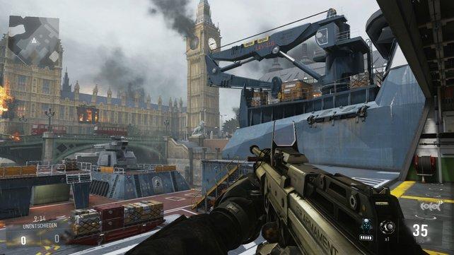 Vor dem britischen Regierungssitz gibt es spannende Kämpfe auf einem Schlachtschiff.