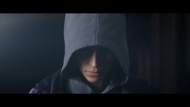 Eingeschüchtert, traumatisiert, verwundet: Lara Croft zieht ihre Kapuze tief ins Gesicht, während sie beim Psychologen ist.