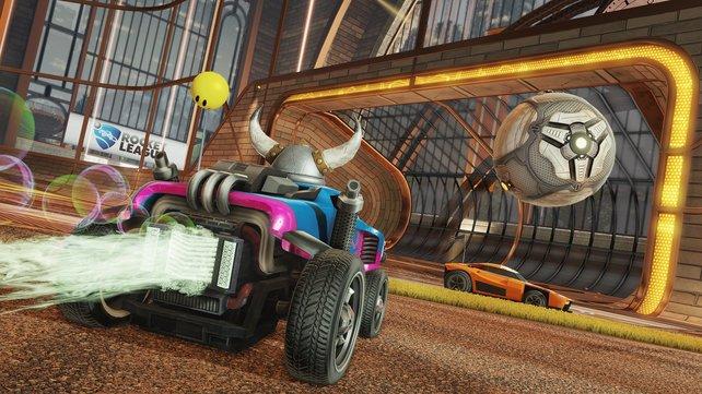 Rocket League - das ist Fußball mit Autos. Und es macht einen Heidenspaß.