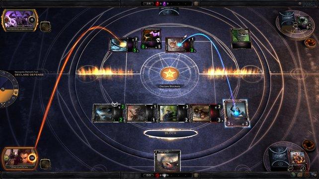 Genau wie in Magic kontert ihr gegnerische Attacken und nutzt Ressourcen-Karten.