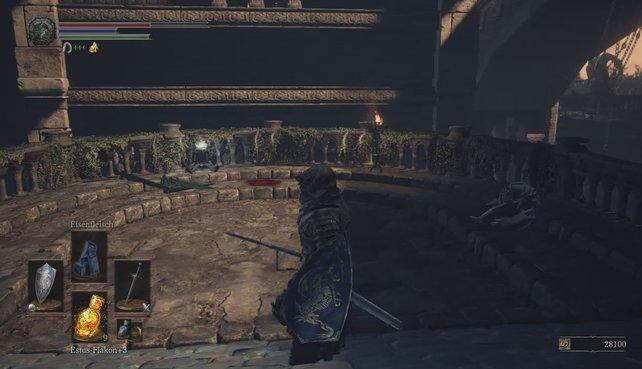Vorsicht: Rechts lauert ein Feind, links werden zwei hinauf klettern.