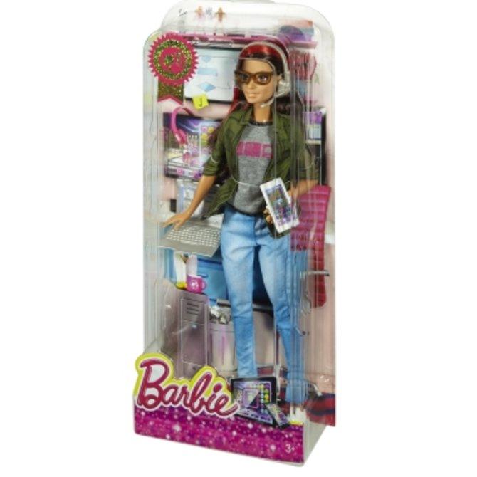 """Hier seht ihr die Verpackung der """"Game Developer Barbie""""."""