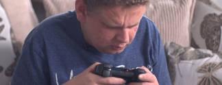 Panorama: Ohne Augen geboren: Blinder Mann spielt seit �ber 20 Jahren Videospiele