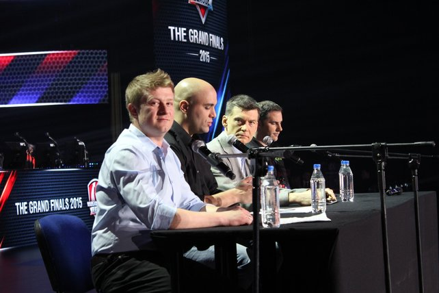 Pressekonferenz zur Eröffnung. Von links: Wargaming-Chef Victor Kislyi, E-Sports-Beauftragter Mo Fadl sowie die Sponsoren-Vertreter Dimitri Konash (Intel) und Jeff Royle (Razer).