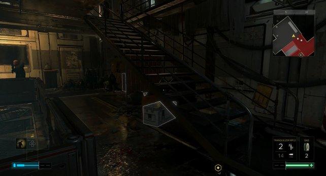 Hinter der Treppe befindet sich ein Luftschacht.