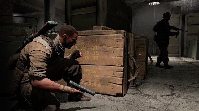 Verstecken und aus dem Hinterhalt Gegner ausschalten: Hier mit der leisen Welrod-Pistole.