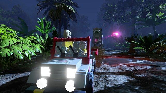 Ikonische Szenen wie die Verfolgungsjagd mit dem T-Rex dürfen im Lego-Spiel nicht fehlen.