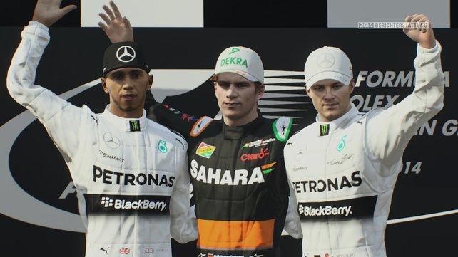 Sekt oder Selters: Nico Hülkenberg jubelt zwischen Hamilton und Rosberg.