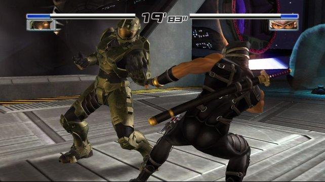 Hey den kenn ich doch ? Stimmt, der Master Chief aus Halo lässt die Fäuste sprechen.