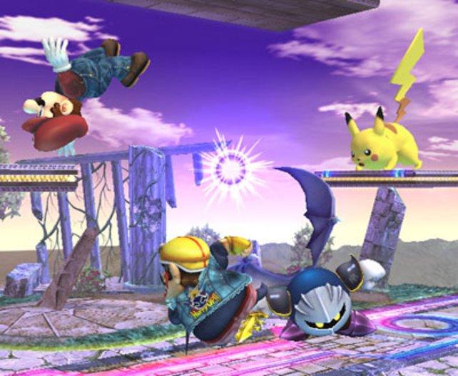 Ein Brawl zu viert: Mario wurde gerade von Pikachus Blitzattacke getroffen.