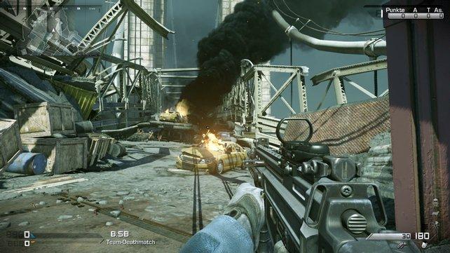 Schon hundertfach gesehen: Zerstörte Straßenzüge in Call of Duty.