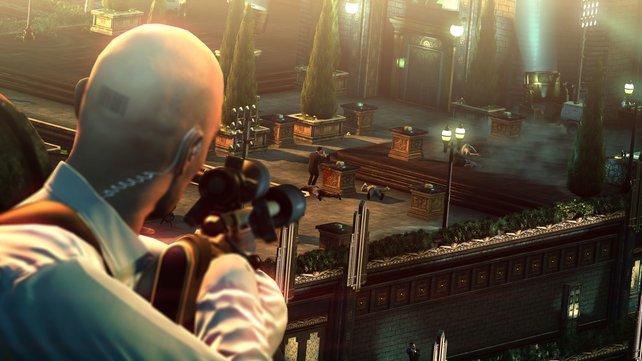 Im Bonusspiel schaltet ihr schallgedämpft die Zielperson samt Leibwächter aus.