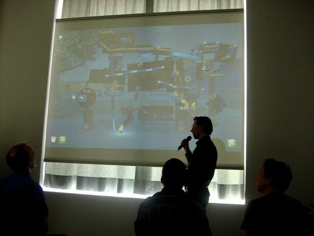 Falk Möckel von Fakt Software erklärt das Spielprinzip von Crazy Machines.