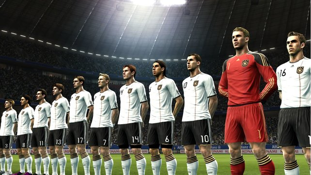 Die offiziell lizenzierte deutsche Mannschaft läuft ins Stadion ein.