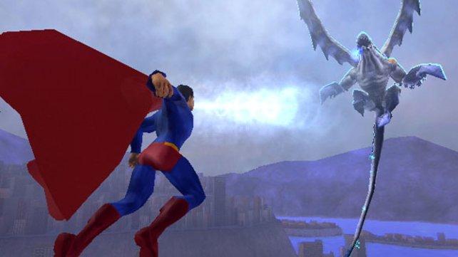 Superman versucht auch wirklich alles, um diesen Gegner kalt zu machen...