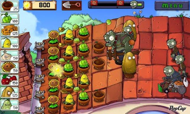 Auch auf dem Smartphone setzt sich der Siegeszug von Pflanzen gegen Zombies fort.