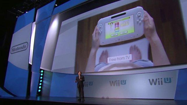 Stolz präsentiert der Nintendo-Chef Iwata die neue Hardware.